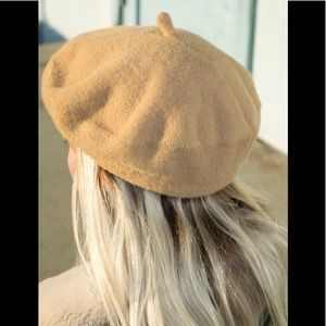 Brandy Melville tan beret hat